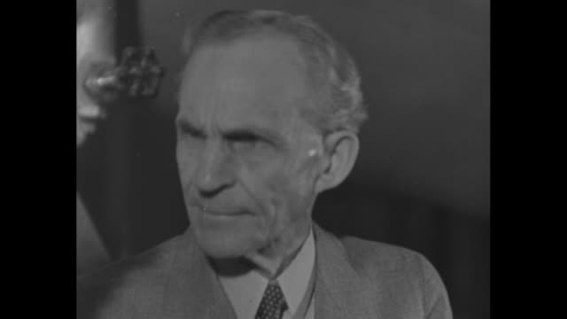 industrialist henry ford speaks / note: exact year not known; documentation incomplete - ヘンリー・フォード点の映像素材/bロール
