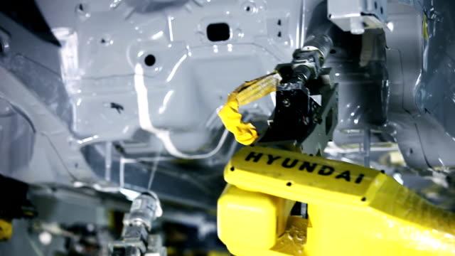 Industry robots,Assembling cars