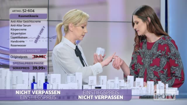 vídeos de stock e filmes b-roll de infomercial montage in german: woman presenting a cosmetic line on an infomercial show rubbing some cream on the female model while talking to the male host and explaining the product - montagem de filme técnica de filmagem