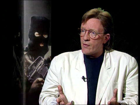 vídeos y material grabado en eventos de stock de ira informer bodies named itn cms martin dillon intvwd sof ira does not normally give detail evidence or kill so many at once / must have thought... - the informers