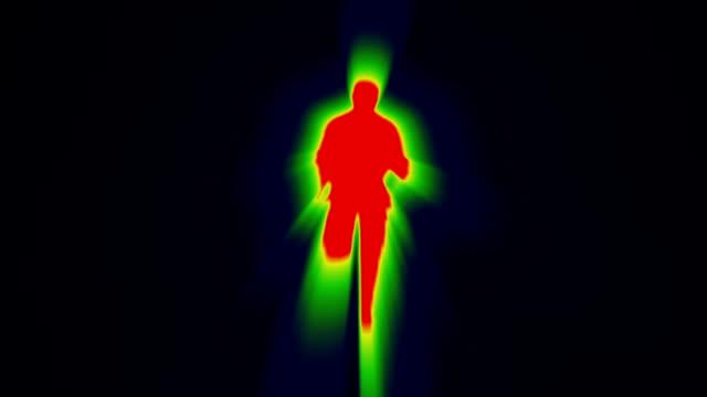 runner a infrarossi - raggio di sole video stock e b–roll