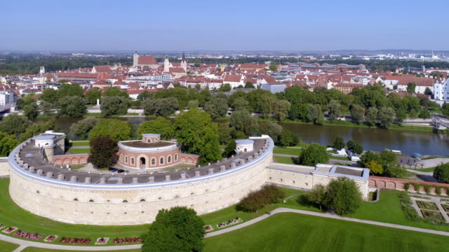 ingolstadt and reduit tilly in the klenzepark - donau stock-videos und b-roll-filmmaterial
