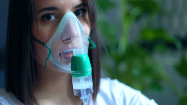 vidéos et rushes de inhalation de près - poumon humain