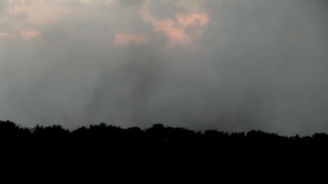 initial stages of tornado formation aurora nebraska - stor bokstav bildbanksvideor och videomaterial från bakom kulisserna