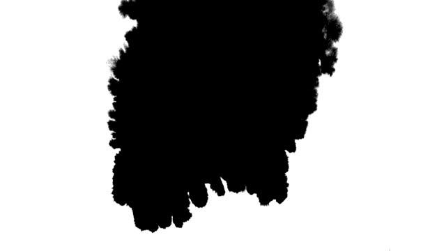 tinte tropfen strom splatter fleck leck verteilt ströme streuung über bildschirm - schwarzweiß bild stock-videos und b-roll-filmmaterial