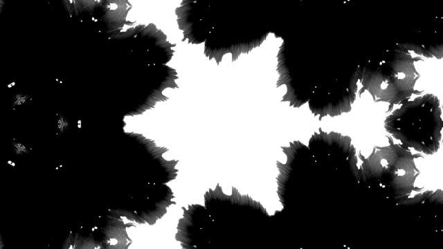tintensplatter rorschach-test in fraktalen - schwarzweiß bild stock-videos und b-roll-filmmaterial