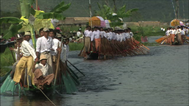 inle lake in myanmar - pagode stock-videos und b-roll-filmmaterial