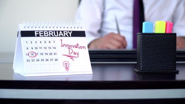 vidéos et rushes de journée de l'innovation - journées spéciales - tenue d'affaires formelle