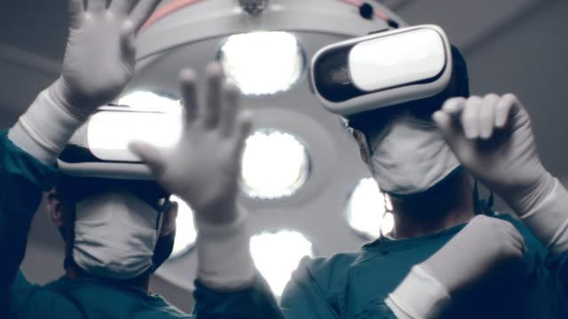 vídeos de stock e filmes b-roll de 5g innovation : futuristic hospital - nova empresa