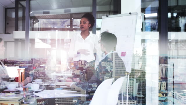 イノベーションは、ビジネスで成功を収めている上で重要です - デジタル合成点の映像素材/bロール