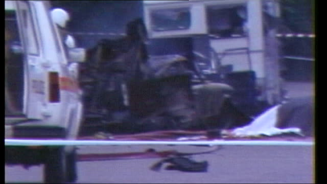 inquiry into hyde park bombing trial collapse 'on the runs' letter policy criticised as200782014 / 2071982 london ext various of aftermath of ira... - ロンドン ハイドパーク点の映像素材/bロール
