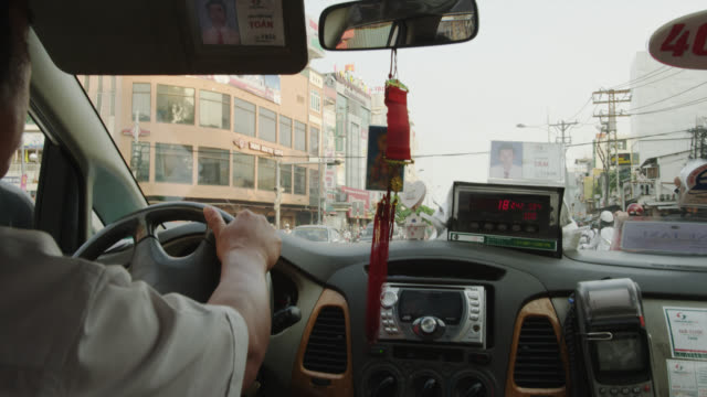 inside a taxi - taxi stock-videos und b-roll-filmmaterial