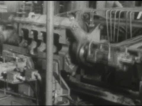 / inside factory, various elaborate, automated industrial machines / pan of men and women standing in a line on january 01, 1959 - intricacy stock videos & royalty-free footage