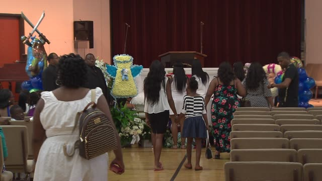 WGN Inside Funeral For 7YearOld Amari Brown Killed In Chicago Gang Shooting on July 11 2015