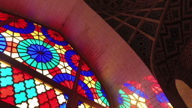 inside nasir al-mulk mosque‌ (pink mosque) - moschea video stock e b–roll