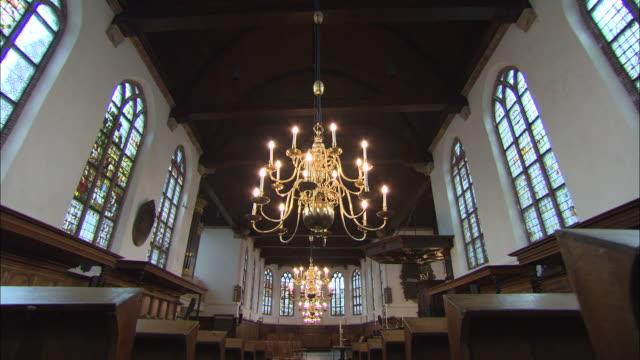 vidéos et rushes de inside of a church in the netherlands - culture néerlandaise