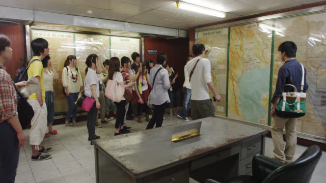 vídeos y material grabado en eventos de stock de inside reunification palace - palacio interior