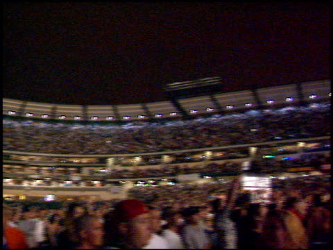 inside stadium at the kroq weenie roast at edison field in anaheim california on june 17 2000 - kroq weenie roast stock videos & royalty-free footage