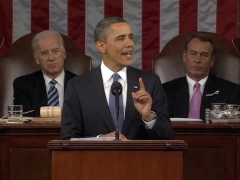 int ms inside the house chambers of congress united states president barack obama delivers the 2011 states of the union address with vice president... - united states congress点の映像素材/bロール