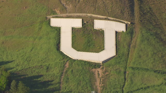 vidéos et rushes de cu aerial u insignia on hill side at university / salt lake city, utah, united states - utah
