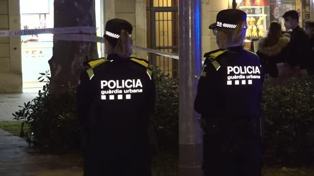ESP: Knife-Wielding Man Shot By Police In Barcelona