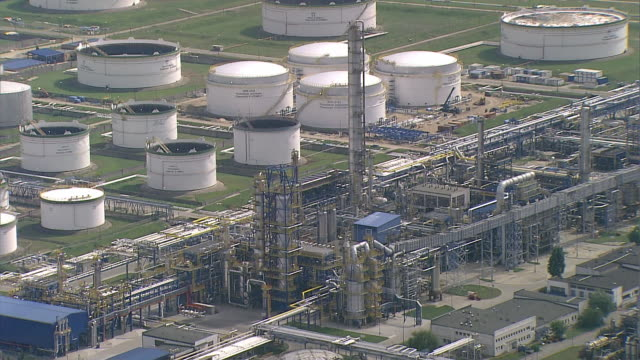 installations, reservoirs and pipelines in the gdansk refinery. - poland stock videos & royalty-free footage