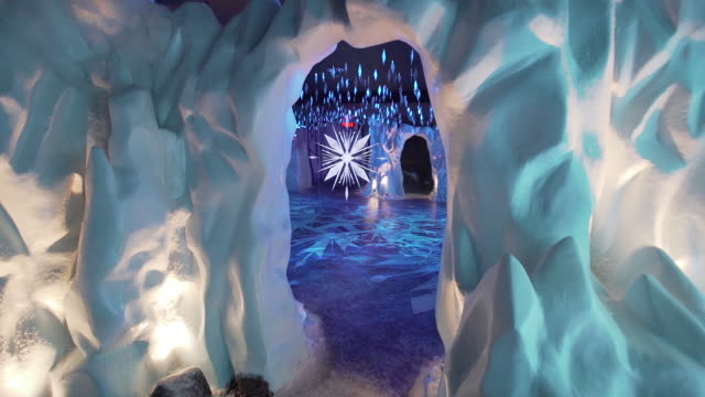 "interactive retail installation rooms at the disney and saks fifth avenue unveil ""disney frozen 2"" holiday windows at saks fifth avenue on november... - frozen stock videos & royalty-free footage"