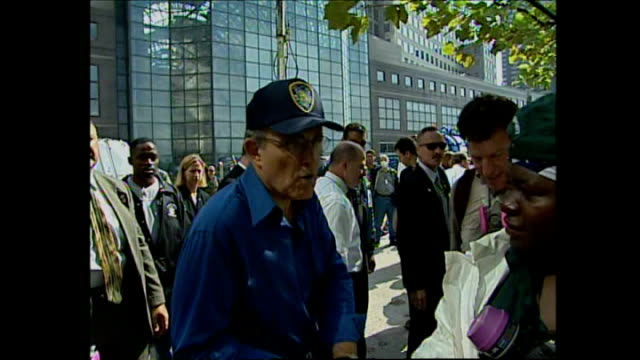 interior and exterior shots of new york mayor rudolph giuliani meeting emergency services and touring the wtc workers rescue centre on september 24... - 2001 stock-videos und b-roll-filmmaterial