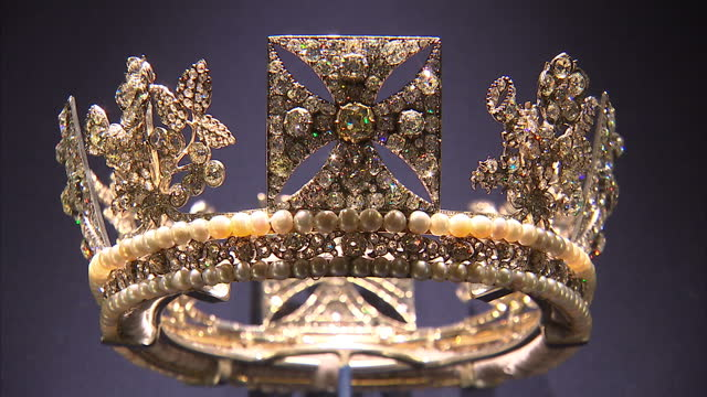 interior close shots of the diamond diadem worn by queen elizabeth ii on the journey to her coronation at westminster abbey exhibition of the queen's... - buckingham palace stock videos & royalty-free footage