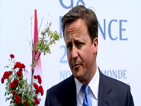 interior grab prime minister david cameron reaction to the arrest of ratko mladic sky news on may 26, 2011 in london, england - ratko mladic stock videos & royalty-free footage