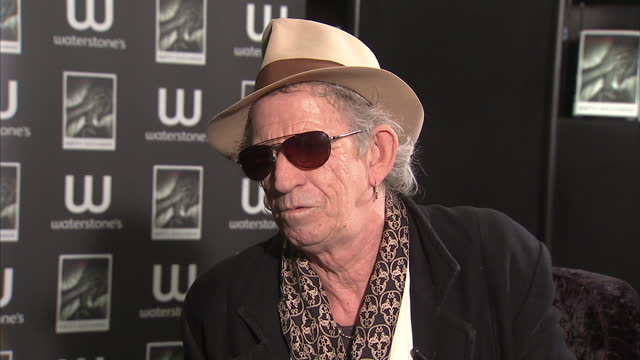 "interior interview keith richards at the launch of his autobiography ""life"" keith richards interview at his book launch on november 03, 2010 in... - autobiography stock videos & royalty-free footage"