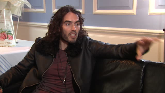 stockvideo's en b-roll-footage met interior interview with comedian russell brand speaking about his own addiction recovery inspiring him to help other people and what he hopes to... - middelenmisbruik