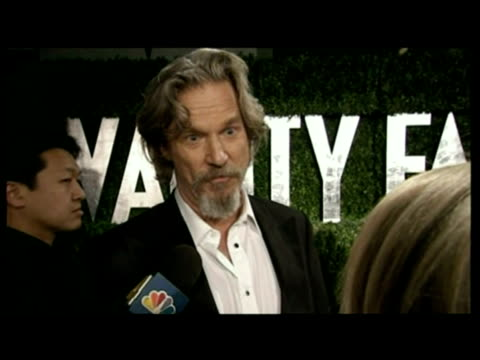 vídeos de stock, filmes e b-roll de interior interview with jeff bridges, best actor winner - festa do oscar