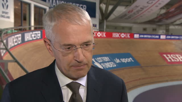 vídeos de stock e filmes b-roll de interior interview with jonathan browning, chairman of british cycling, speaking about the as-yet unpublished review into accusations of sexism and... - presidente de empresa