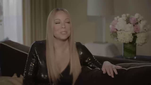 vídeos de stock, filmes e b-roll de interior interview with mariah carey about her upcoming sweet sweet fantasy 2016 uk tour on january 30 2016 in los angeles california - mariah carey