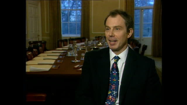 interior interview with prime minister tony blair on the possibility of a peace agreement in northern ireland on 12 march 1998 in london united... - tony blair stock-videos und b-roll-filmmaterial
