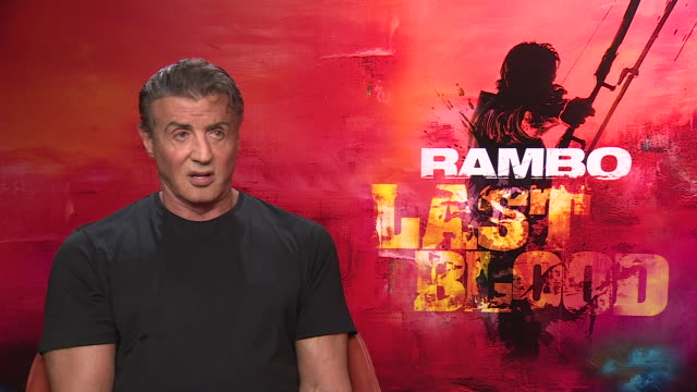 vídeos de stock, filmes e b-roll de interior interview with sylvester stallone speaking about why he decided to set the new rambo in mexico on 2 september 2019 in london, united kingdom - sylvester stallone
