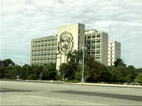 interior ministry / jose marti monument / street scenes cuba havana ext ministerio del interior building which features a bronze wire sculpture of... - che guevara stock videos & royalty-free footage