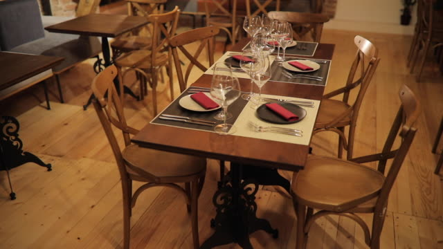 モダンなレストランのインテリア - 片付いた部屋点の映像素材/bロール