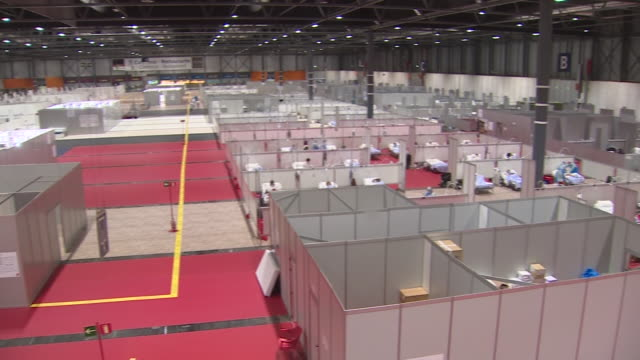 interior of an ifema pavilion fitted out as a temporary hospital for patients with coronavirus, some 5,500 hospital beds, including intensive care... - temporary stock videos & royalty-free footage
