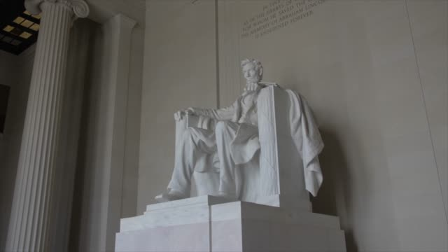 interior of lincoln memorial in daytime, washington dc, united states of america, north america - エイブラハム・リンカーン点の映像素材/bロール