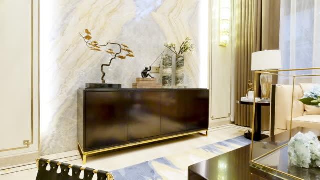 贅沢なインテリアのリビングルーム - 椅子点の映像素材/bロール