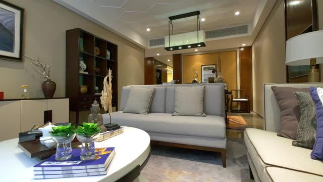 vidéos et rushes de intérieur de salon moderne 4 k - salon pièce
