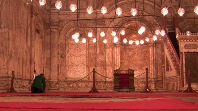 ms, interior of mosque of muhammad ali pasha, citadel of cairo, cairo, egypt - xix secolo video stock e b–roll