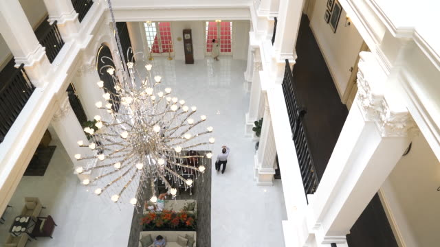 interior of raffles hotel seen from above, singapore city, central singapore, singapore, on tuesday, september 10, 2019. - raffles city stock videos & royalty-free footage