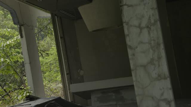 interior of ruined hospital building, japan. - 不完全な美しさ点の映像素材/bロール