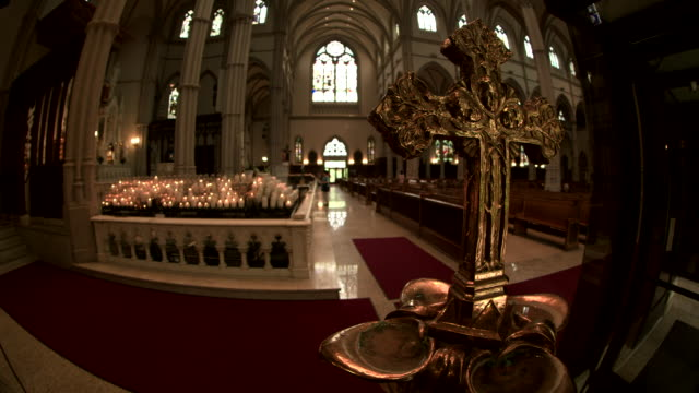 interior of saint paul cathedral through a fisheye lens in pittsburgh, pennsylvania on august 15, 2018. - religion or spirituality stock videos & royalty-free footage