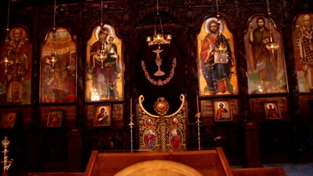 stockvideo's en b-roll-footage met interieur van de orthodoxe kerk - apostel