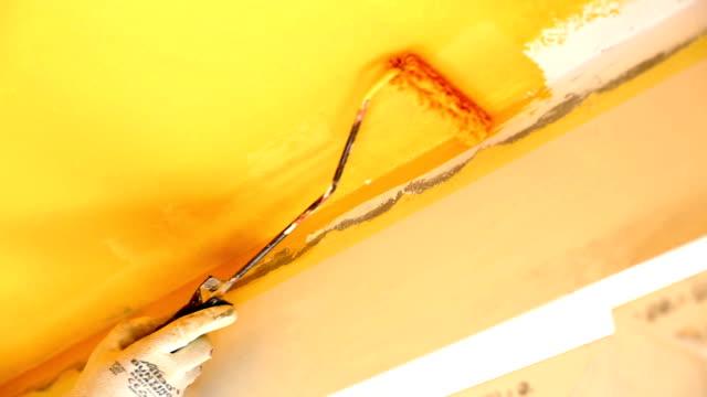 innenansicht farbe arbeit. - orange farbe stock-videos und b-roll-filmmaterial