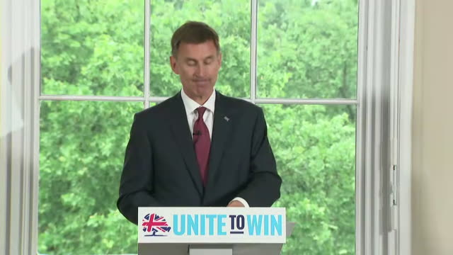 interior shot of foreign secretary jeremy hunt launching his bid for the consevative party leadership in london speaking about brexit on10th june... - 政治家 ジェレミー ハント点の映像素材/bロール